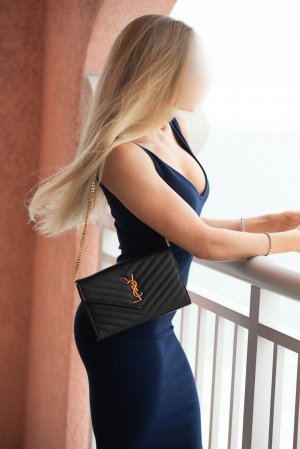 Hayete escort girl in Dania Beach FL