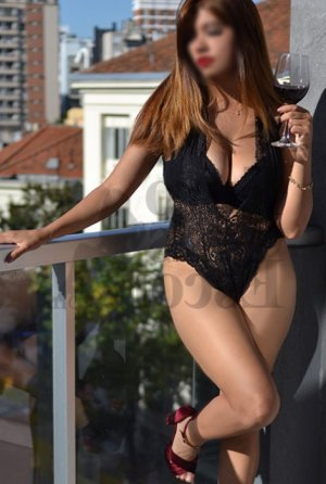Marie-irène live escort in West Covina