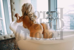 Feryal escort in Stayton