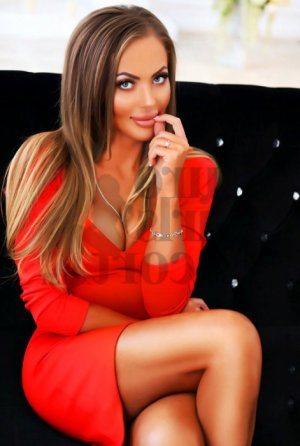 Aysu live escort in Hauppauge New York