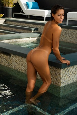 Anne-isabelle escort in Vienna West Virginia