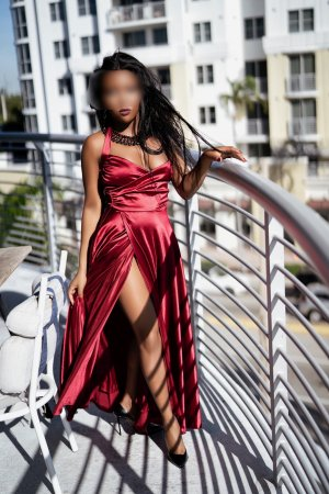 Melusine escort girl