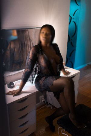Rose-blanche escort girls in Panama City Beach